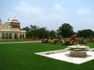Hotels near Hawa Mahal
